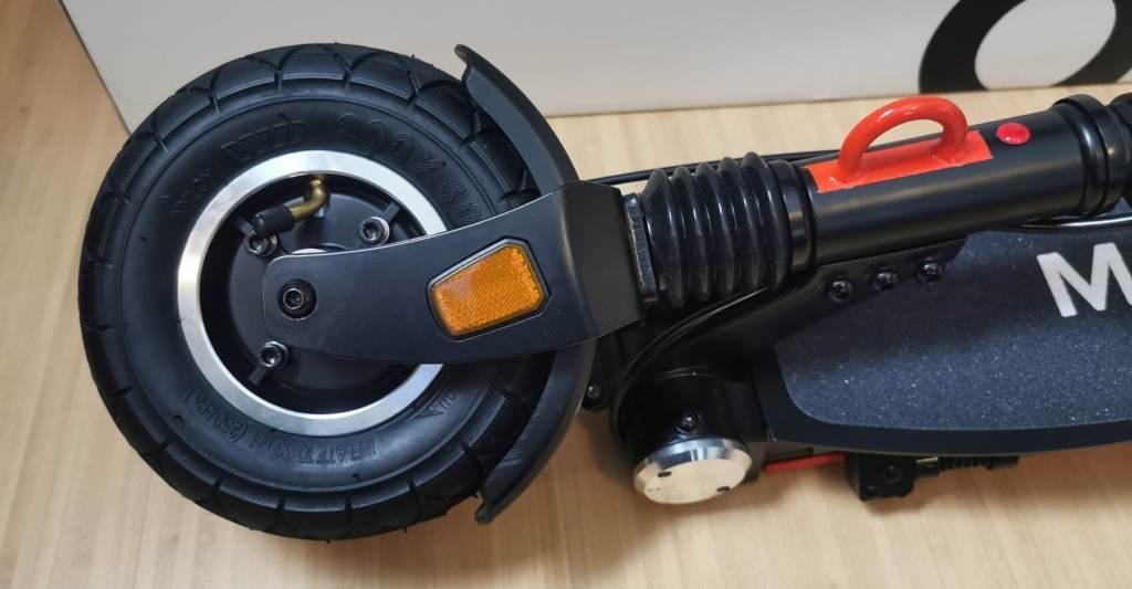 E-Scooter Luftbereifung Nahaufnahme