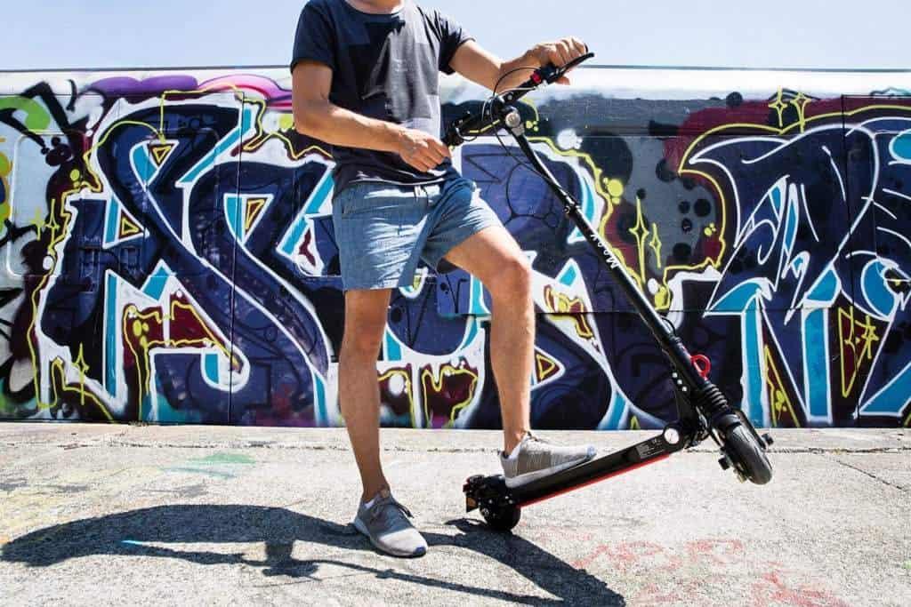 E-Scooter Moovi leicht