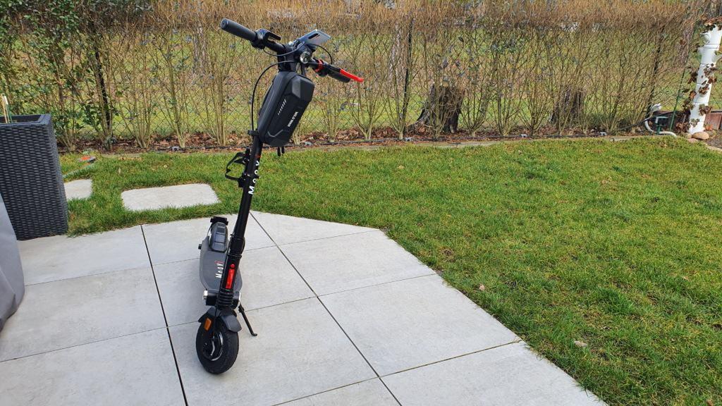 E-Scooter Flaschenhalter Test - Vollansicht