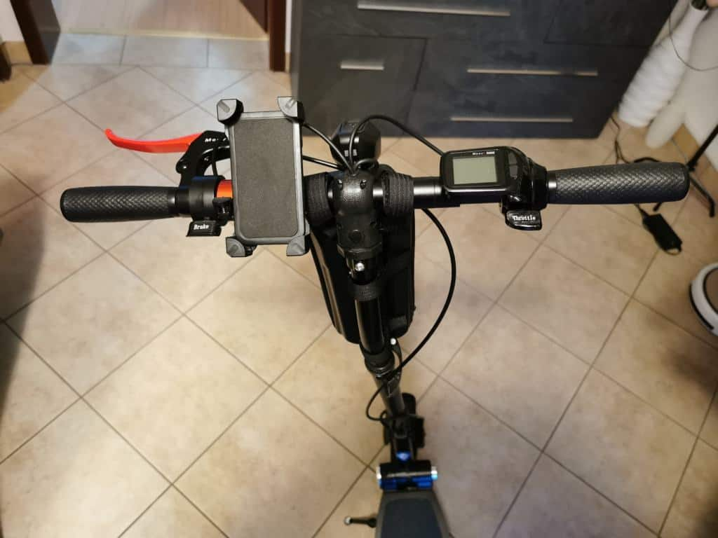 E-Scooter Handyhalterung aus Plastik