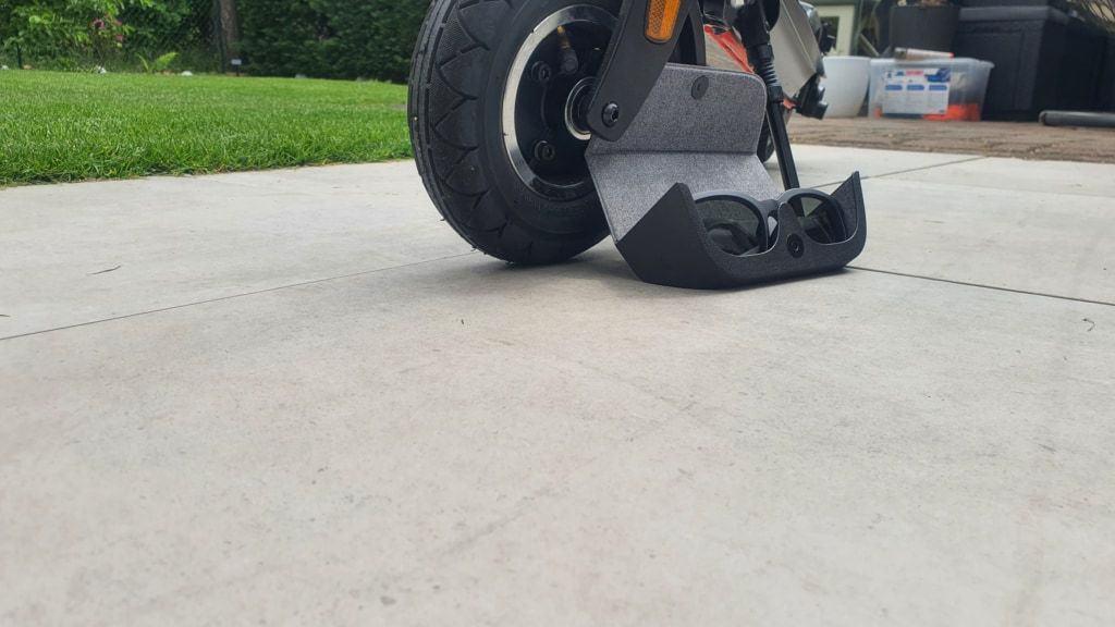 Bose Frames Alto Testbericht E-Scooter - Etui