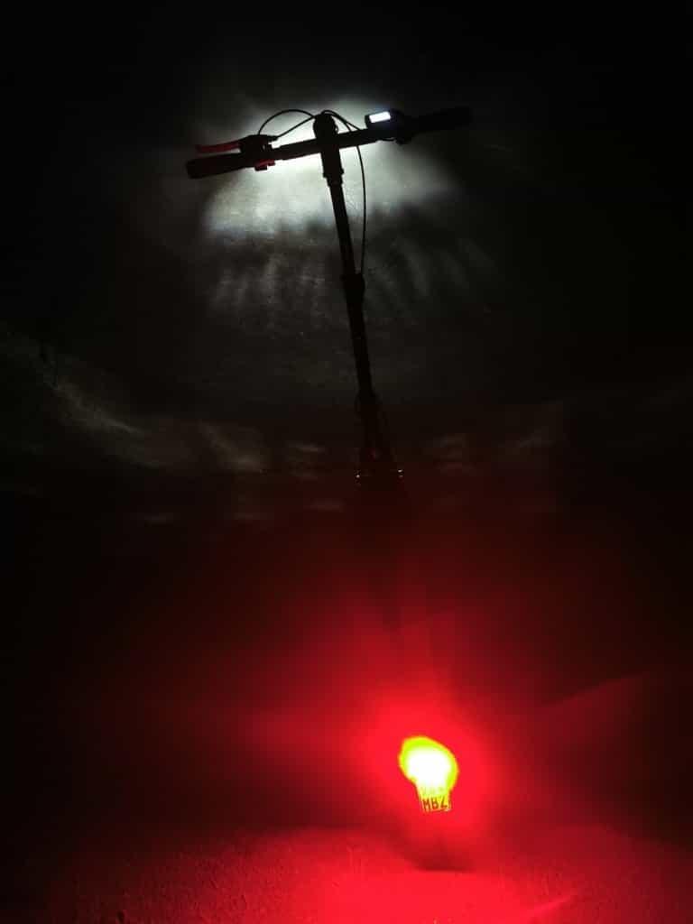 Lichtpflicht am E-Scooter - Beleuchtung im Dunkeln